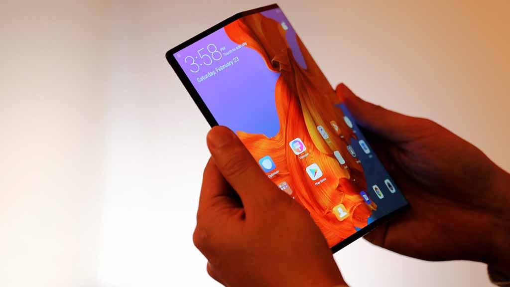हुवावेले सार्वजानिक गर्यो फोल्ड गर्न मिल्ने तेस्रो मोबाइल फोन