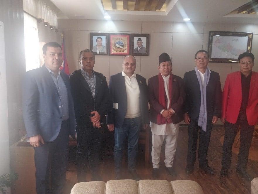गैरआवासीय नेपाली संघका अध्यक्ष र संचार तथा सूचना प्रविधि मन्त्रीबीच भेटवार्ता