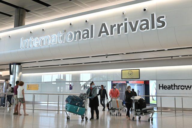 लण्डन विमानस्थलमा दुई नेपालीलाई जरिवाना