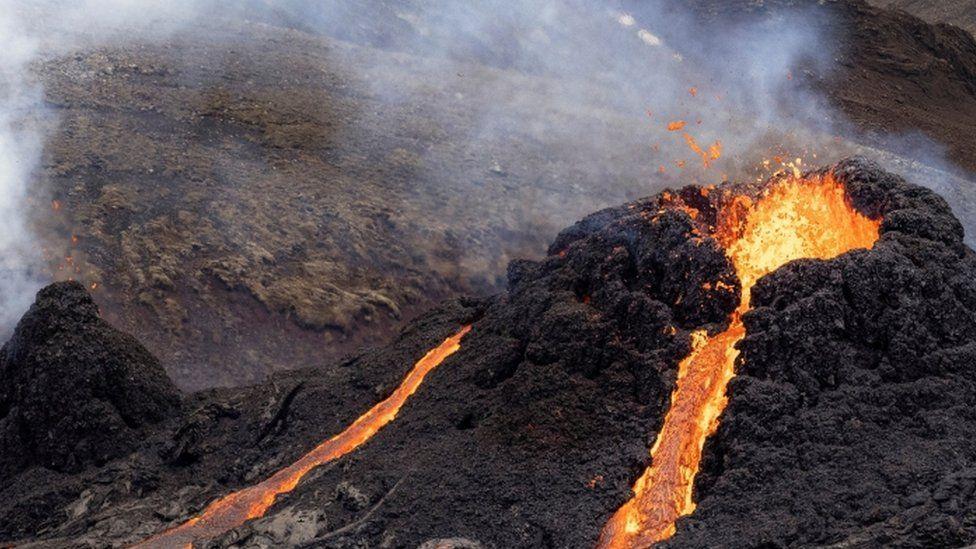 कंगोमा ज्वालामुखी विस्फोट हुँदा ३२ को मृत्यु, सयौँ बेपत्ता