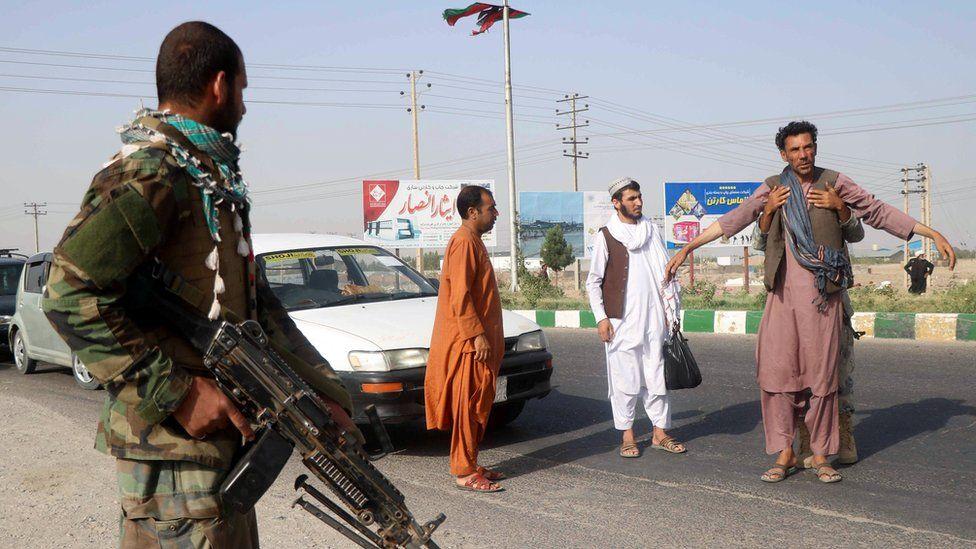 अफगानिस्तानबाट नेपाली फर्काउन सरकार मौन, दिल्ली दूतावास भन्छ– ढुक्क भएर बस्ने अवस्था छैन