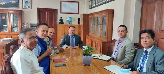 एनआरएनए प्रतिनिधि र परराष्ट्र सचिव पौडयालबीच छलफल
