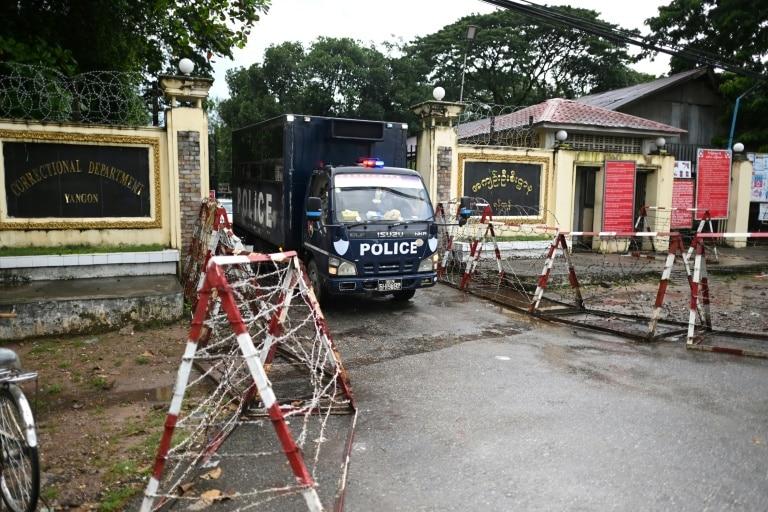 सैन्य 'कू' विरुद्ध प्रदर्शनको क्रममा पक्राउ परेका सयौं बर्मेली कैदी रिहा